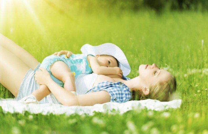 Nice example of laid-back breastfeeding