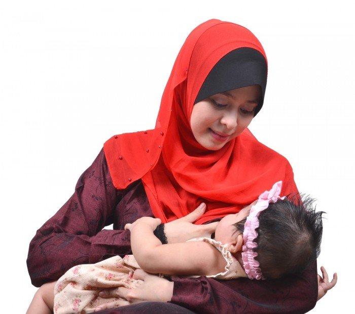 Breastfeeding modestly